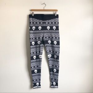 a90a0e2c2a231 Torrid Skeleton Print Fleece leggings NWOT